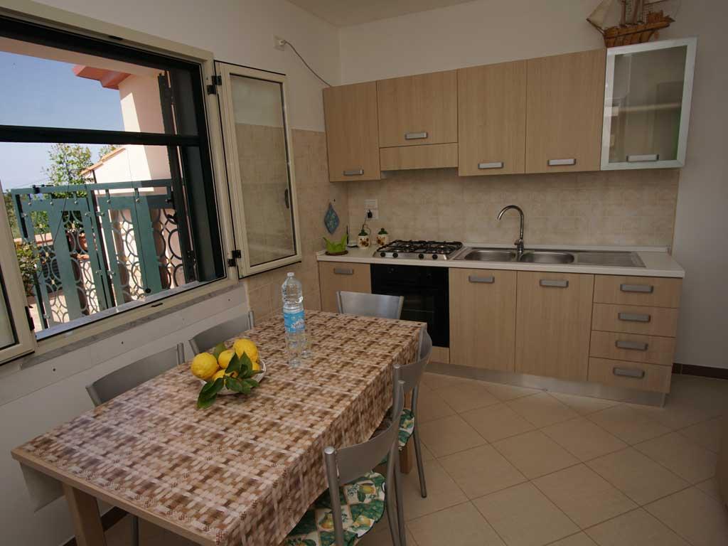 Appartamenti palinuro sul mare con formula residence for Tacchini mobili san salvatore